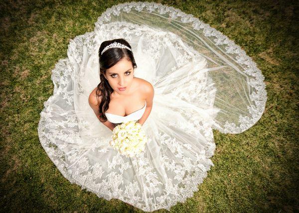 4ae4272371e9f9 Жіночий сонник стверджує, що дівчина у весільній оздобленні уві сні - до  грошей